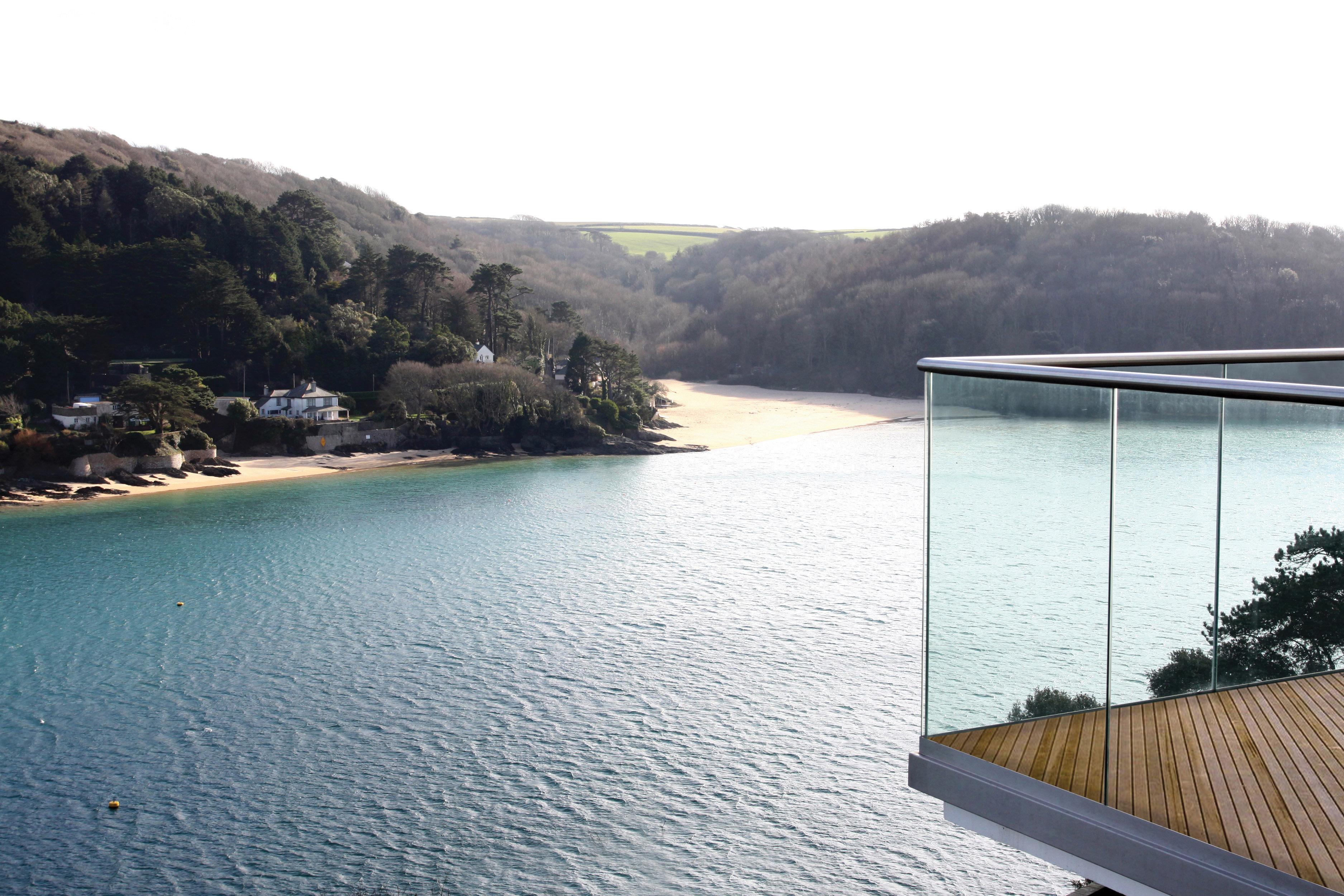 panelgrip,panel grip,balustrade,balustrade system,frameless balustrade,glass,glass panels, bespoke glass